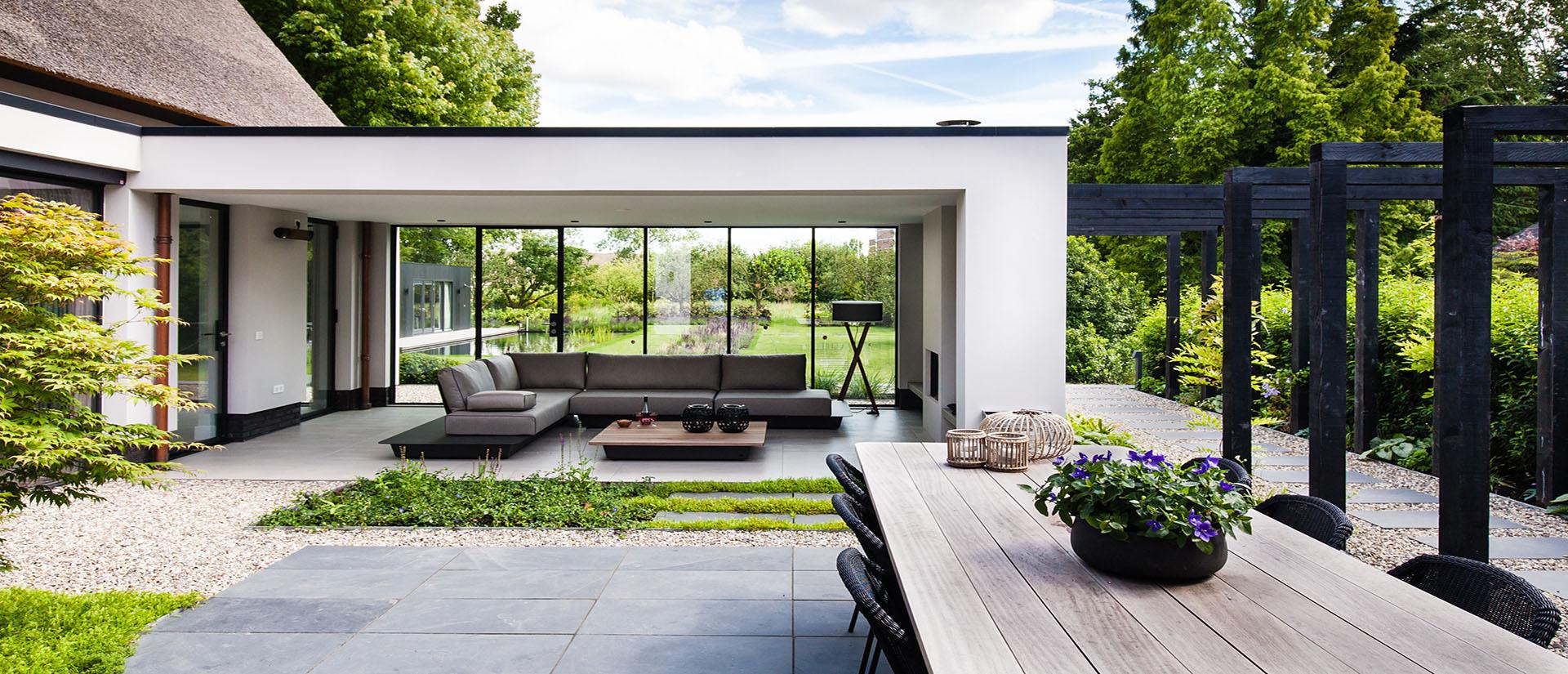 Tuin_in_Capelle_aan_den_IJssel_villatuin_moderne_tuin_binnentuin